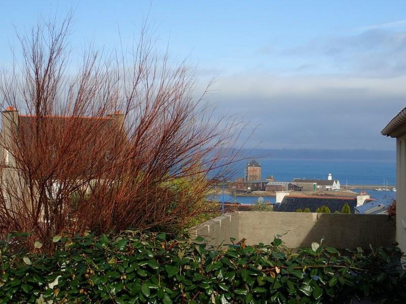 Vues sur le port et la mer maison 2 chambres