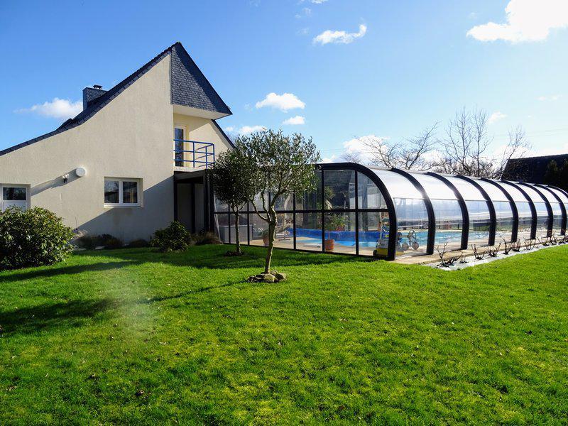 Maison 3 ch, piscine couverte, jardin