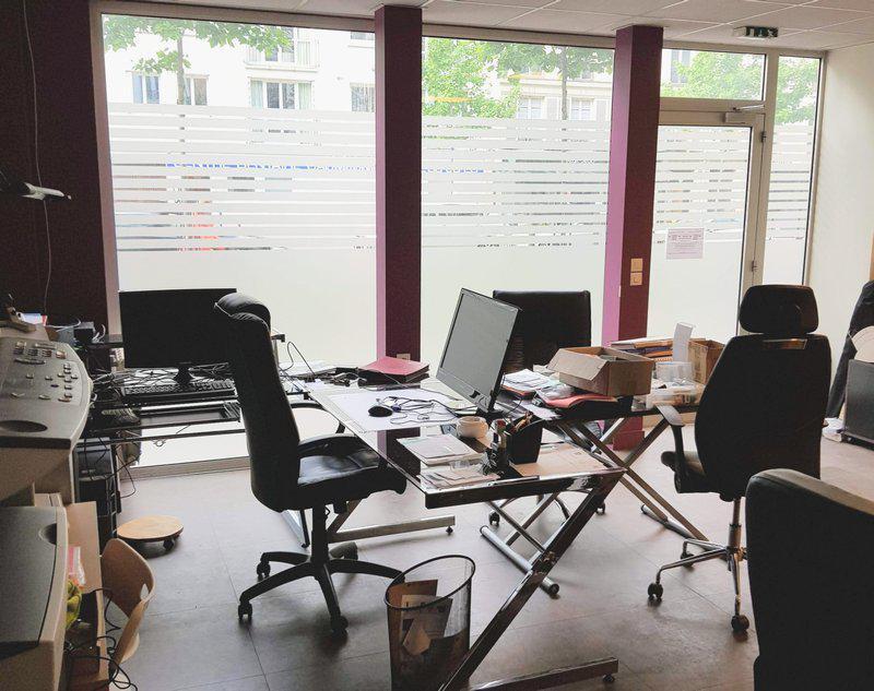 Local commercial lumineux espace vente et bureau