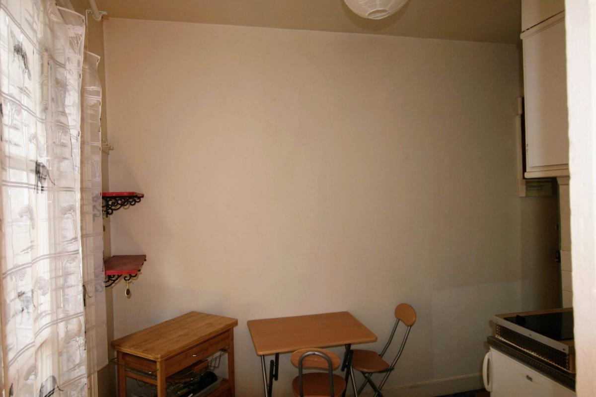 Épinettes Studio de 20m2 au 3è et dernier étage