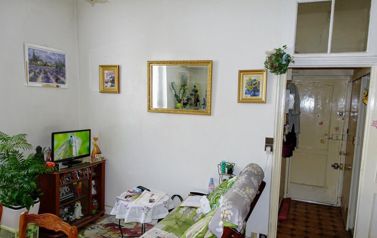11e Viager Appartement 38m2 sur cour 2e ét. sud