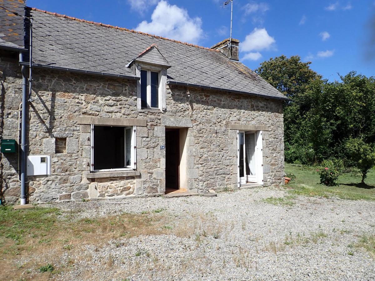 Maison dépendance en pierre